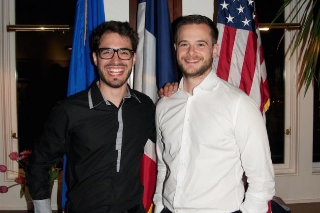 Sylvain Kalache (à gauche) et Julien Barbier ont co-fondé l'Holberton School en 2015 en souhaitant renforcer la diversité culturelle dans l'univers des développeurs IT. Outre-Atlantique, leur formation ne se paye qu'après avoir décroché un emploi. (Crédit : Holberton
