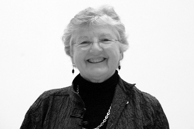 Frances Allen, décédée le 4 aout, a été une des premières à travailler sur les compilateurs (photo Rama — CC BY-SA 2.0 fr)
