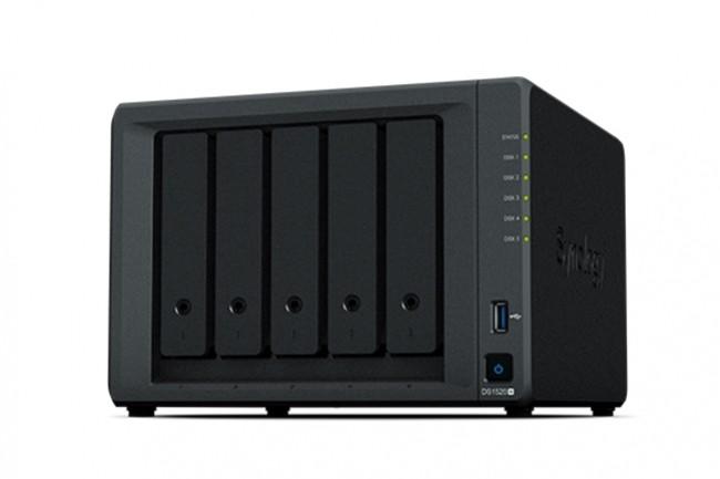 Le DS1520+ est disponible auprès du réseau de partenaires de Synology, autour de 650€ HT. (Crédit : Synology)