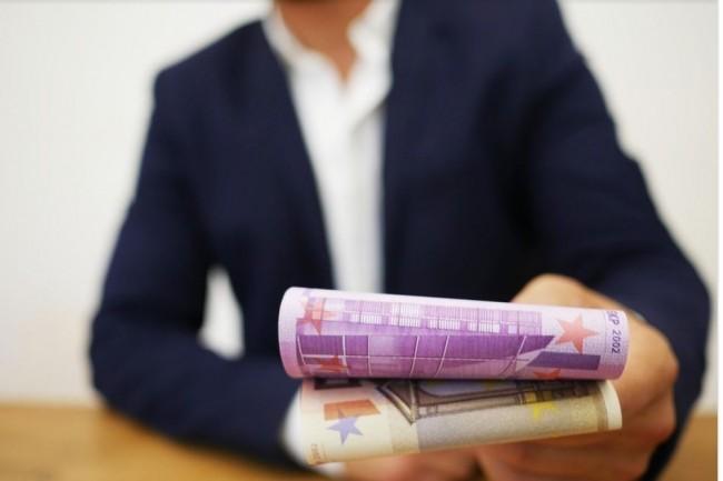 Sur-sollicités, les spécialistes des données, du développement et de la sécurité informatique profiteront d'une embellie salariale. Crédit photo. RatenKauf/Pixabay.