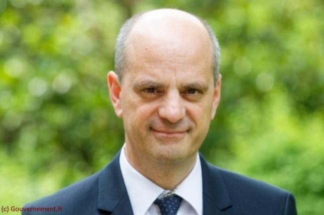 Jean-Michel Blanquer est l'actuel Ministre de l'Éducation nationale, de la Jeunesse et des Sports