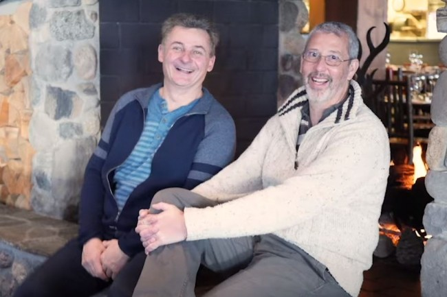 Benoit Dageville, co-fondateur et président de Snowflake (à gauche) avec Thierry Cruanes, co-fondateur et CTO, ont réussi avec maestria l'entrée en bourse de leur entreprise au New York Stock Exchange. (crédit : Snowflake)
