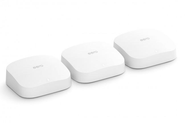L'Eero Pro 6 et l'Eero 6 sont tous deux équipés d'un hub Zigbee intégré pour communiquer avec d'autres appareils de la maison connectée,