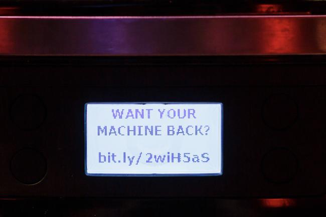 La machine à café connectée a été piratée avec une demande de rançon à la clé. (Crédit Photo : Martin Hron)