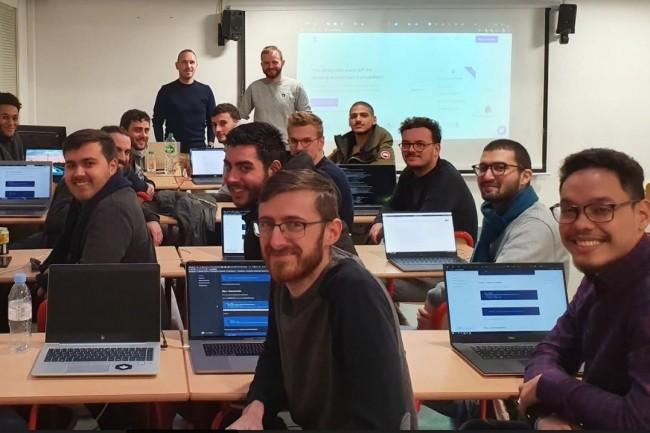 En mars dernier, les étudiants de la spécialisation blockchain de l'Esgi ont rencontré Vitalik Buterin fondateur d'Ethereum.. (Crédit photo: Esgi Unhackathon)