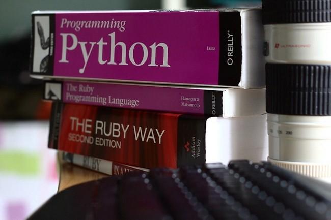 La dernière version de Python est disponible avec son lot d'évolutions. (Crédit Photo : mccun934 on Visual Hunt / CC BY)