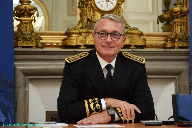 Patrice Faure, préfet du Morbihan depuis août 2019, n'a aucune objection de sécurité sur cette solution vue la nature de la collecte.