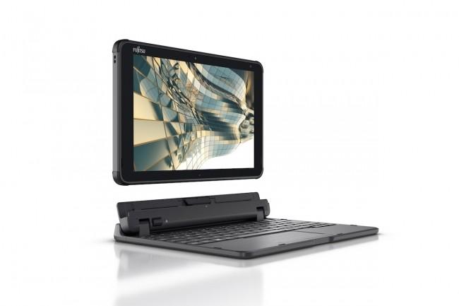 Particulièrement robuste, la tablette Fujitsu Stylistic Q5010 satisfait à  la norme militaire MIL-STD-810H. (Crédit Fujitsu)