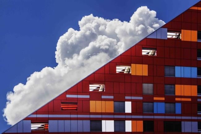 Si les DSI pensent au multicloud, dans les faits ils s'orientent vers le cloud hybride. (Crédit Photo : Ivan Cujic/Pexels)