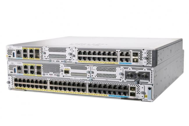Selon Cisco, le Catalyst 8300 d�livrent des performances de service SD-WAN jusqu'� quatre fois meilleures que les routeurs ISR 4400. (Cr�dit Cisco)