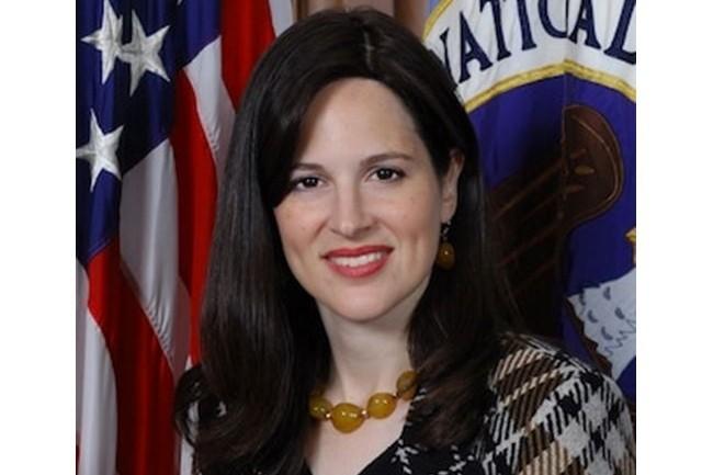 « Nous espérons qu'en mettant en lumière les vulnérabilités que la Chine utilise activement pour compromettre des systèmes, les professionnels de la cybersécurité gagneront des informations exploitables pour prioriser les efforts et sécuriser leurs systèmes », a expliqué Anne Neuberger, la directrice de la NSA en charge de la cybersécurité. (crédit : NSA)