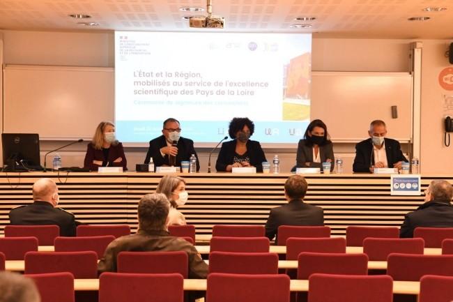Frédérique Vidal, ministre de l'Enseignement supérieur, de l'Innovation et de la Recherche, a Angers lors de son tour des territoires. (crédit : Ministère de l'Enseignement Supérieur et de la Recherche)