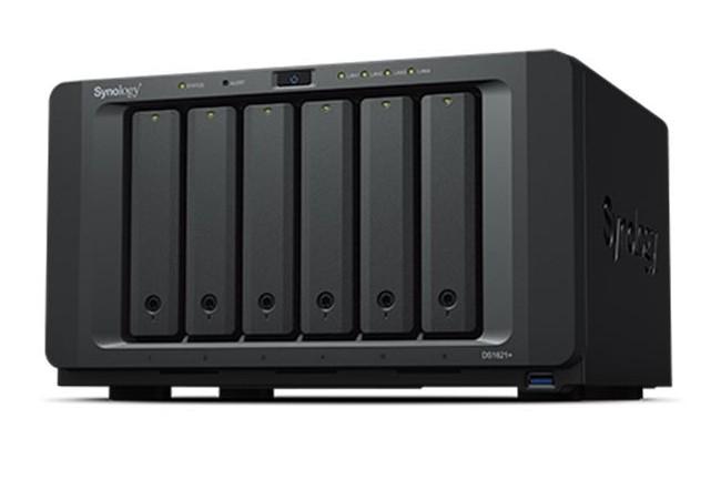 Le NAS DS1621+ dispose de 6 baies prenant en charge des HDD/SSD SATA. (Crédit Synology)