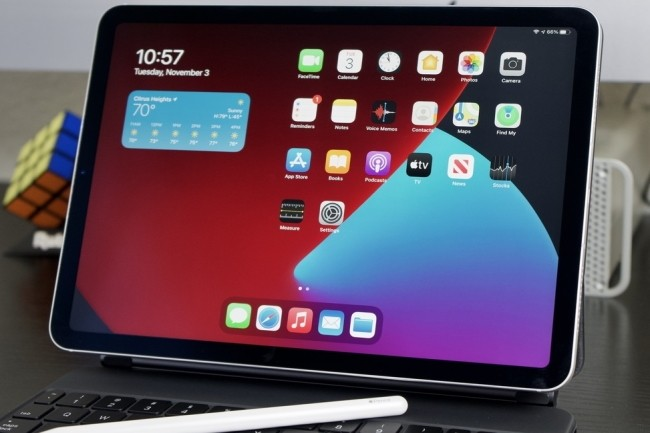 Pour les fêtes de fin d'année, l'iPad Air 2020 allie performance et budget maîtrisé. (Crédit Photo : Jason Cross/IDG)