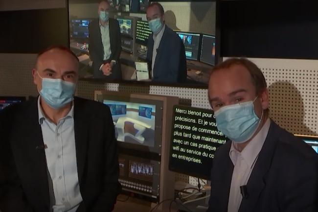 Dans les coulisses du tournage de l'IT Tour web TV 2020 Alsace Lorraine diffusée le 26 novembre animée par Benoît Huet journaliste au Monde Informatique (à gauche) et Dominique Filippone (chef des informations du Monde Informatique). crédit : LMI