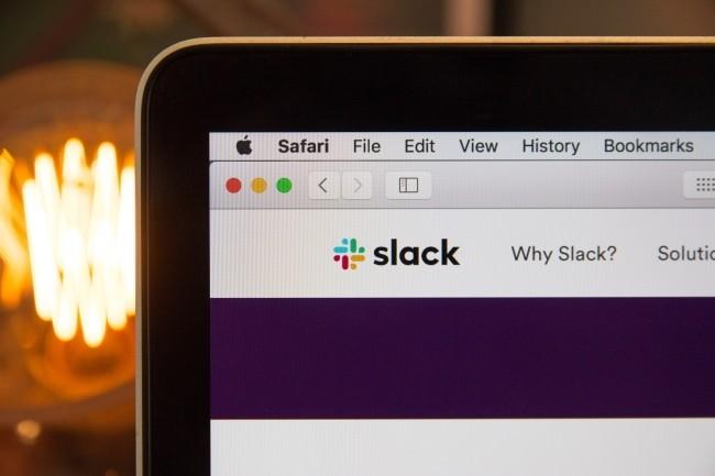 Pour les analystes, un rachat de Slack par Salesforce est bénéfique pour les deux entreprises. (Crédit Photo : Stephen Phillips-hostreview uk/unsplash)