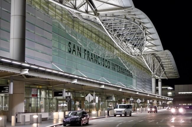 Pour cause de pandémie, le nombre de passagers empruntant l'aéroport de San Francisco est passé de 150 000 à 4 000 par jour. (Crédit Wikipédia)