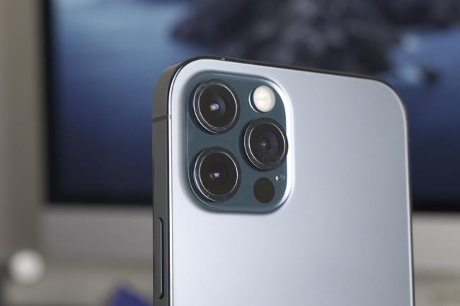 En équipant les iPhone 12 Pro d'un scanner LiDAR, Apple a des ambitions de voir se développer des usages dans les entreprises. (Crédit Photo:Jason Cross/IDG)