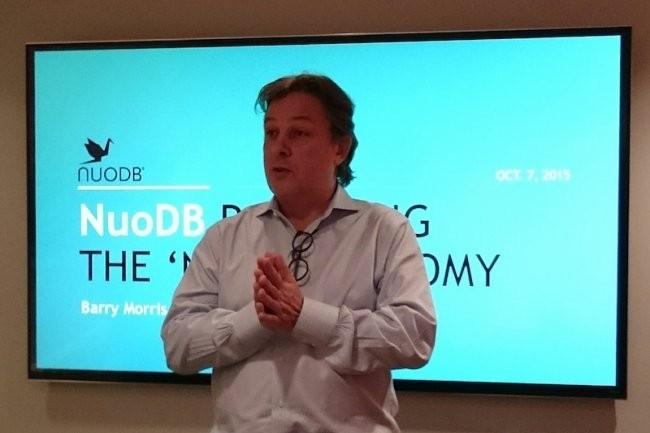 Barry Morris, CEO de NuoDB, pitchant durant  l'IT Press Tour.