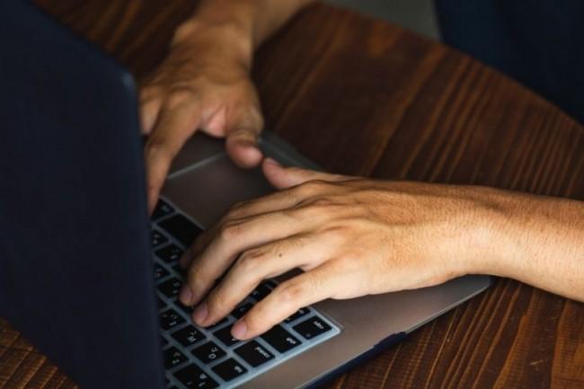 Les recommandations proposées par Robert Half sont adaptées aux évolutions du marché de l'emploi IT suite à la crise. (Crédit photo: Ryutaro/Pexels)  - 000000075756 - Recrutement : 5 pistes pour valoriser ses compétences numériques