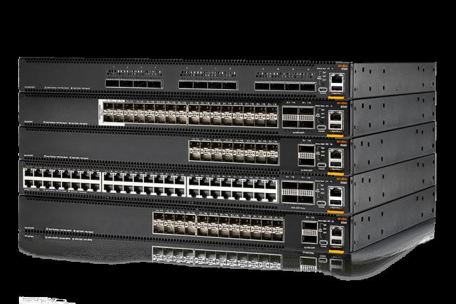 Les switchs CX 8360 et une Fabric Composer arrivent au catalogue d'Aruba Networks (Crédit HPE).