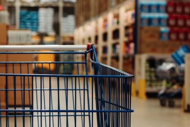 Dans les secteurs de la distribution et dansl'industrie, les solutions de PIM facilitent l'accès aux informations sur les produits et leur distribution aux différents canaux de vente. (Crédit photo : Eduardo Soares/Pexels)