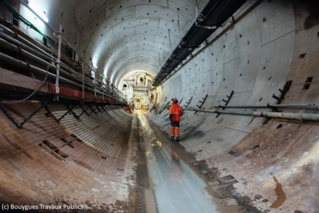La construction du Grand Paris Express nécessite l'évacuation de grandes quantités de terre. (Crédit : Bouygues Travaux Publics)