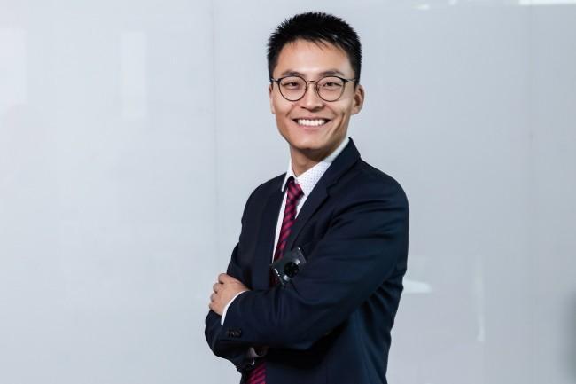 Apr�s avoir termin� ses �tudes en France, Weiliang Shi a travaill� en Afrique et en Europe avant de prendre la direction de Huawei France en 2017. (Cr�dit Huawei)