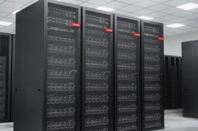 Lenovo renforce son offre pour datacenter avec ses derniers produits ThinkSystem DM5100F, Intelligent Monitoring 2.0 et switch DB720S Fibre Channel. (cr�dit : Lenovo)