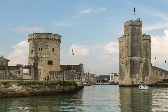 L'agglomération et la ville de la Rochelle ont subi une cyberattaque pendant le week-end du 27 décembre. (Crédit Photo: Wikipedia)