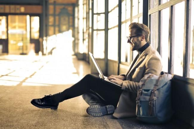 L'activité des freelances du secteur technologique a été moins impactée qu'au moment du premier confinement du pays, (Crédit photo: Andrea Piacquiado/Pexels)