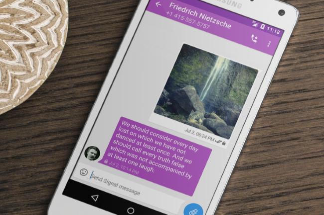 La messagerie Signal a vu le nombre de téléchargement exploser suite aux changements de règles de partage de données de WhatsApp.(Crédit Photo: Signal)