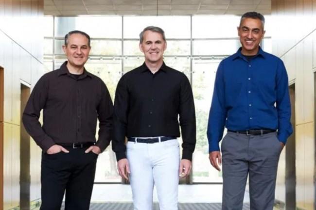 L'équipe de direction de Nuvia rachetée par Qualcomm avec (de gauche à droite) : John Bruno (vice-président de l'ingénierie système), Gerard Williams (CEO) et Manu Gulati (vice-président de l'ingénierie matérielle). crédit : Nuvia