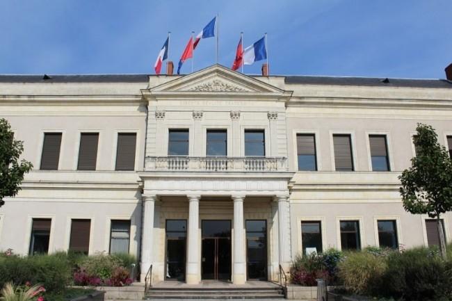 « Ce processus de restauration va être long et impacte les services rendus aux Angevins nécessitant l'usage de l'informatique », a expliqué la mairie d'Angers suite à la cyberattaque qui l'a frappée depuis ce week-end. (crédit : Chabe01 / Creative Commons / Wikipedia)