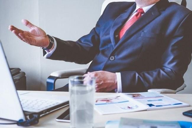 Avec la mise en place du télétravail, certaines entreprises envisagent de mener l'entretien annuel d'évaluation de leurs collaborateurs en distanciel. Crédit photo: StockSnap/Pixabay.)