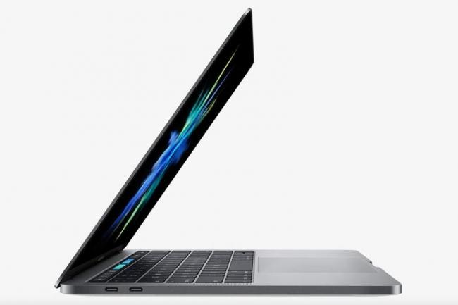 Batterie en fin de vie sur un Macbook Pro fabriqué en 2016 ou 2017, Apple a peut être une solution. (Crédit IDG)