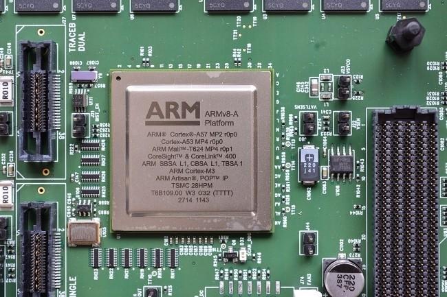 Le rachat d'ARM par Nvidia est contesté par Qualcomm, Google, Microsoft ou Huawei qui l'ont fait savoir aux régulateurs en charge de la concurrence. (Crédit Photo: Open Grid Scheduler / Grid Engine / CC0)