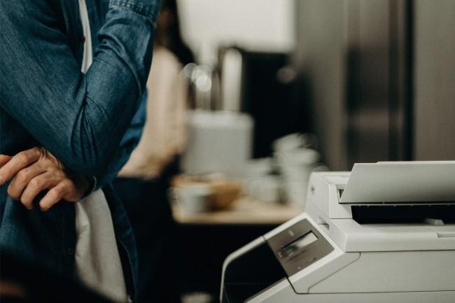 Les achats d'imprimantes destin�s � �quiper les entreprises sont rest�s largement insatisfaisants au 4�me trimestre en Europe de l'Ouest. (Cr�dit photo : Pexels/cottonbro)