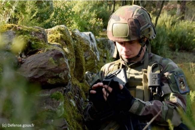 L'espace de stockage partagé proposé par le Ministère des Armées est accessible en mobilité à partir d'un smartphone.