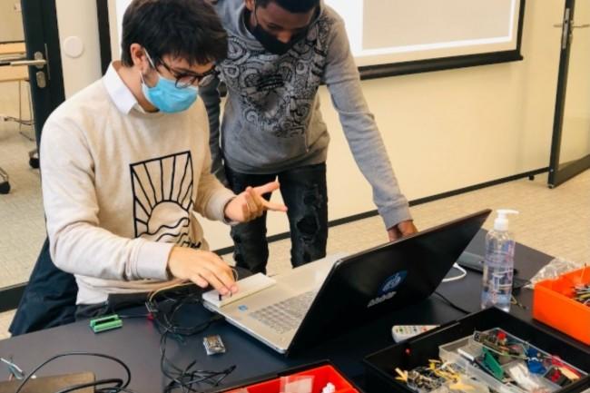 Le cursus d'Ingénierie en IA proposé Hexagone conduit à un titre reconnu par l'Etat a raison d'un parcours de deux ans. (Crédit photo: Hexagone).