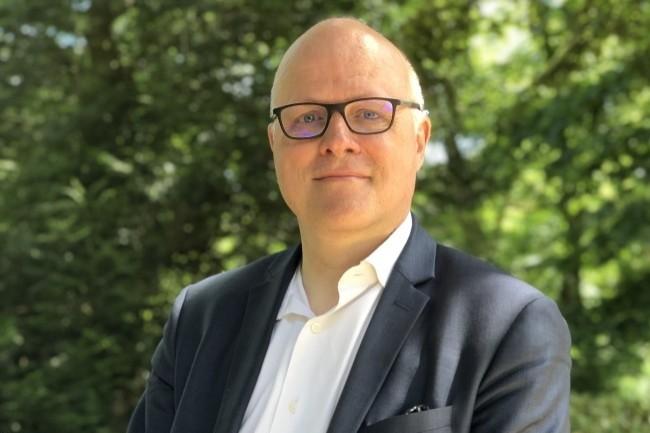 Claude Molly-Mitton, chargé du club utilisateurs, de la veille et des relations presse de l'AIFE, coordonne l'activité du Club Chorus-Pro.