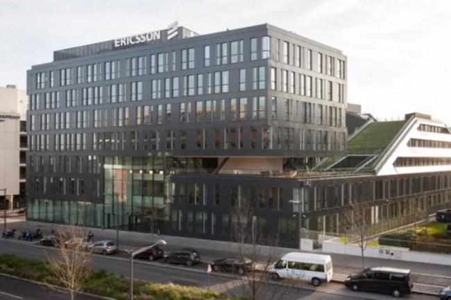 Situé à Massy juste devant la gare, le centre R&D d'Ericsson est facilement accessible. (crédit : Ericsson)