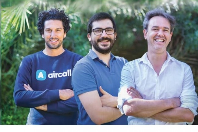 De gauche à droite, trois co-fondateurs d'Aircall, Jonathan Anguelov, directeur des opérations, Pierre-Baptiste Béchu, directeur des plateformes et infrastructures et Olivier Pailhes, directeur général. (Crédit photo: Aircall)
