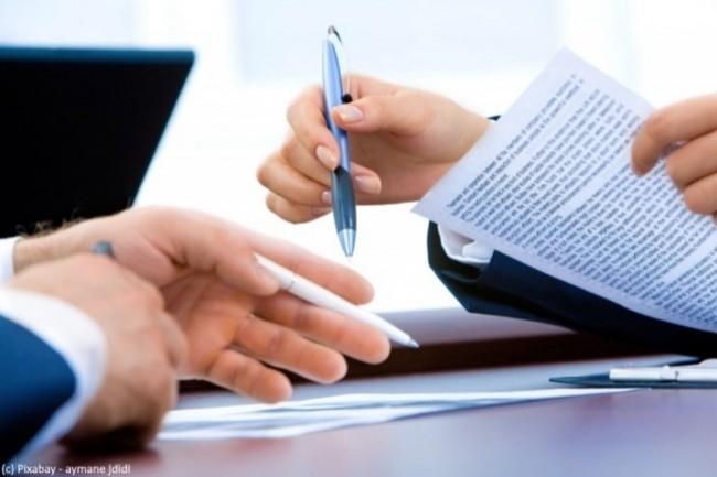 Pour évoluer vers des fonctions de directions IT, la rédaction d'un CV efficace reste une étape classique, dès laquelle il faut savoir mettre en avant son leadership. (Crédit : Pixabay/aymane djiji)