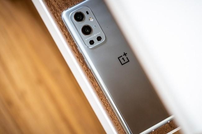 Le OnePlus 9 Pro mise beaucoup sur son partenariat avec HasselBlad pour améliorer la partie photo. (Crédit Photo: Adam Patrick Murray/IDG)