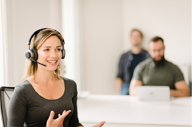 Au bureau ou � la maiosn, les micro-casques sans fil � r�duction de bruit sont devenus un accessoire � envisager pour gagner en confort de travail. (Cr�dit Orosound)