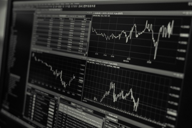 Lookout for Metrics d'AWS détecte les fluctuations commerciales pour que les entreprises réagissent rapidement. (Crédit Photo: 3844328/Pixabay)