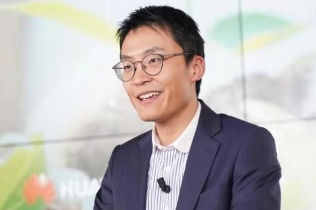 « Si l'Etat français nous interdit d'installer des équipements à Toulouse, Brest, Toulon.... nous n'avons pas le choix et les opérateurs non plus », nous a indiqué Weiliang Shi, président de Huawei France. (crédit : Huawei)