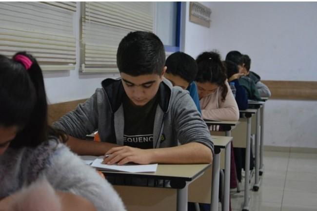 L'impuissance des enseignants ainsi que des parents persiste toujours dans le domaine du numérique. (Crédit photo: Pixabay/Freelancegraphiker)