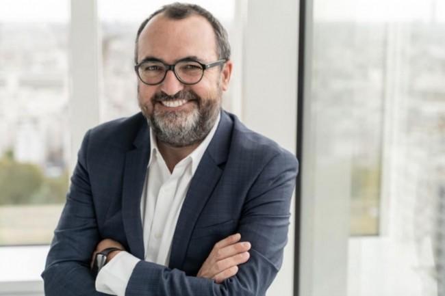 Sébastien Gibier, directeur de SAP.io Foundry Paris, présente les 8 start-ups agritech de la 6ème promotion de l'accélérateur. (Crédit : SAP)